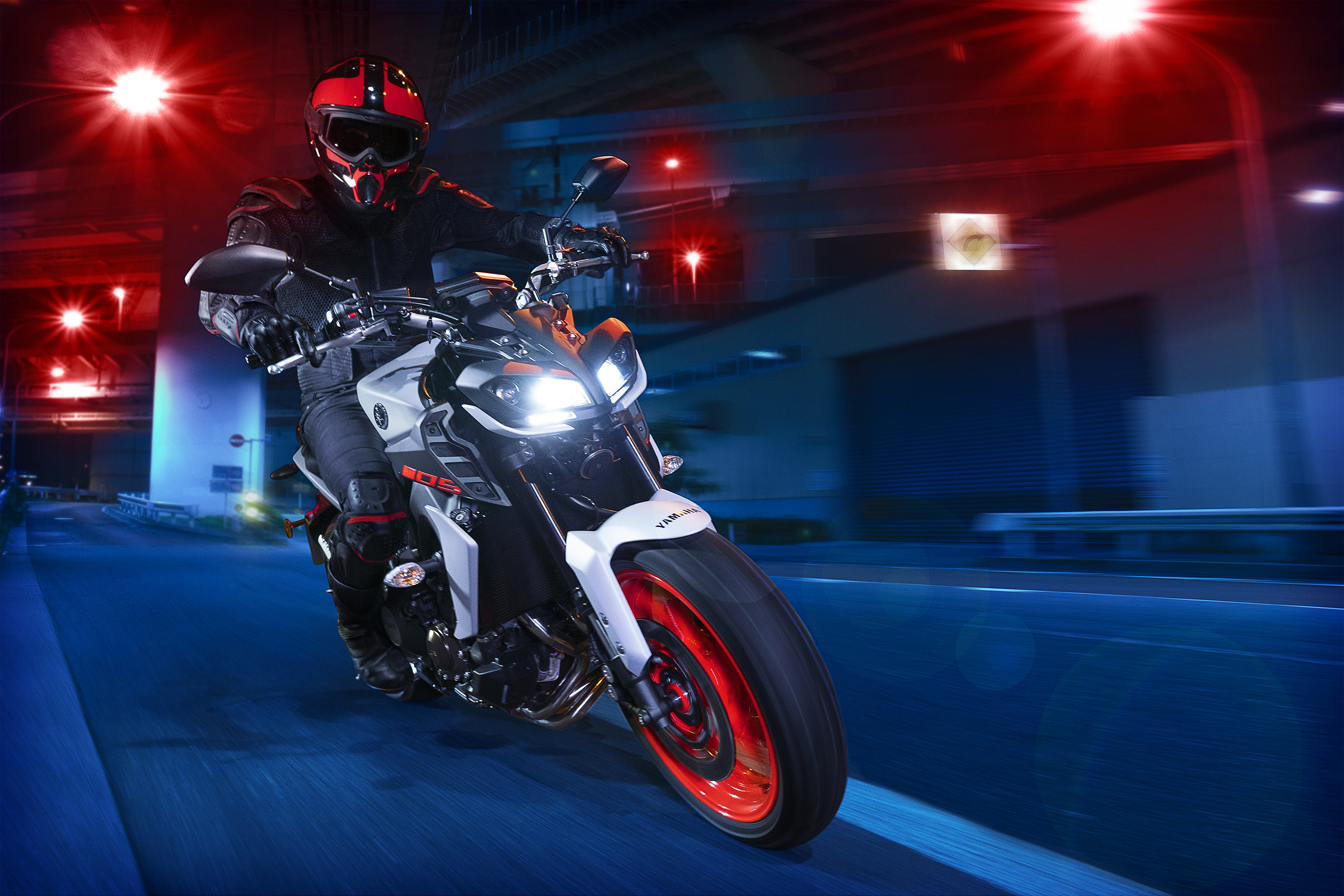 MT-09 2019 Yamaha Hyper Naked Bike Review Specs Price