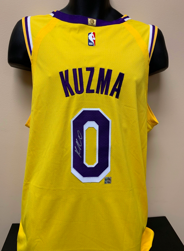quality design 5f699 1a666 Los Angeles Lakers Jersey Signed by Kyle Kuzma