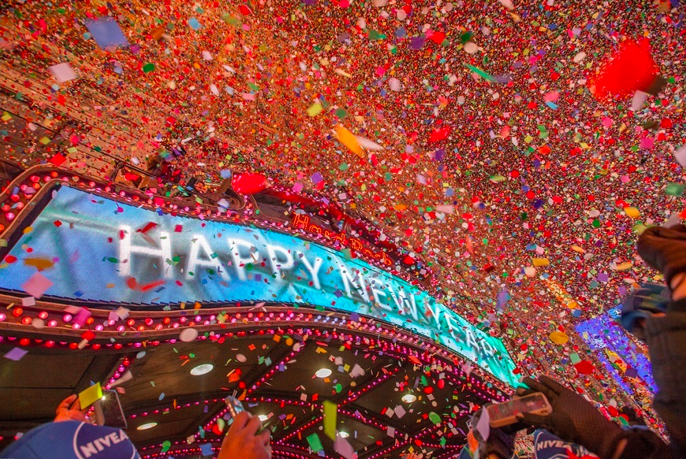 Charitybuzz: 2 Tickets to the Official Times Square 2021 New Year's Ev... - Lot 1984566