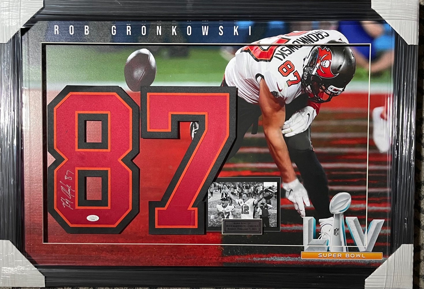 Charitybuzz: Rob Gronkowski Signed Super Bowl LV Photo & ...
