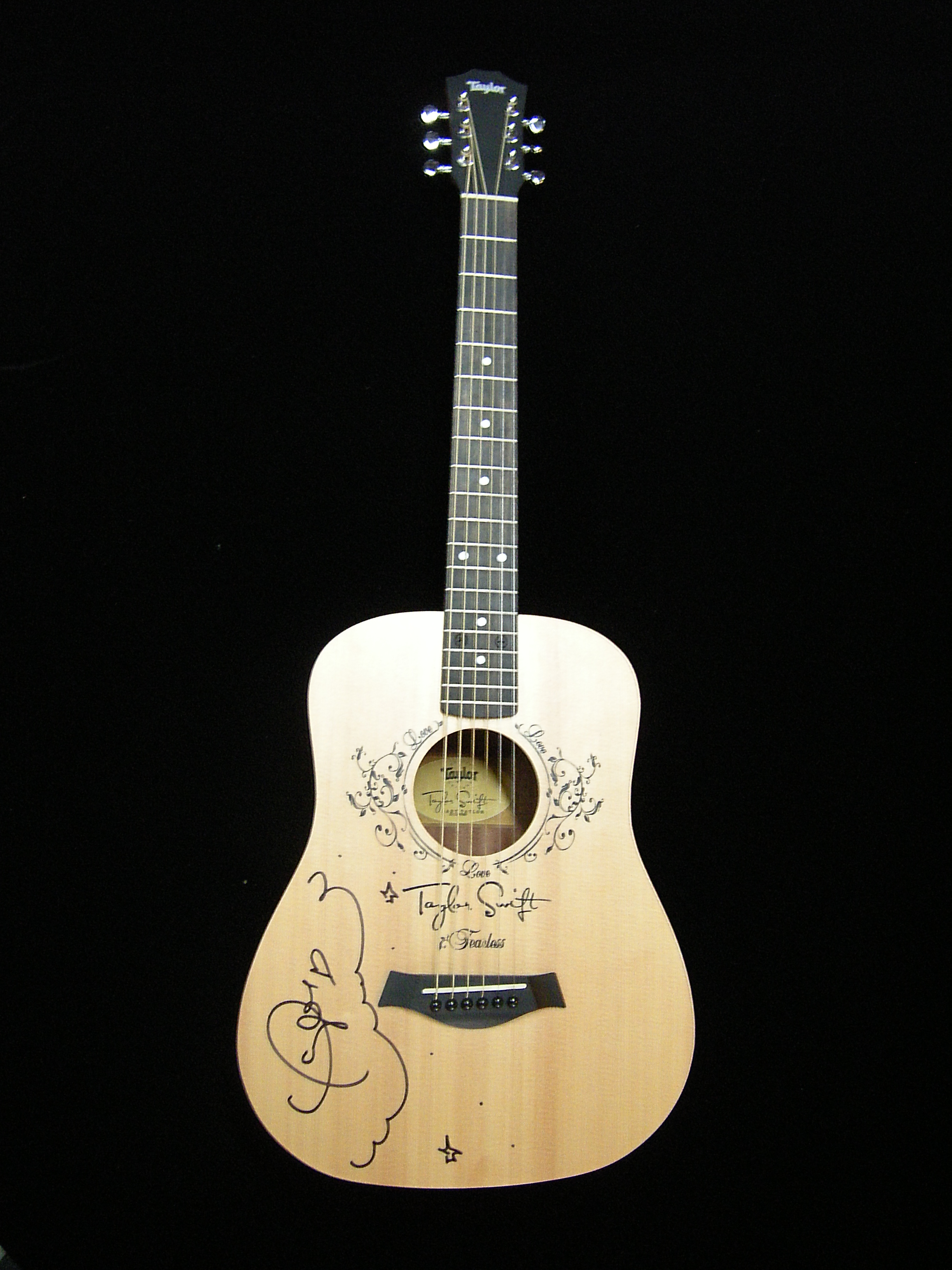 Taylor Swift Baby Taylor TS-BT Travel LH Acoustic Guitar ... |Taylor Swifts Acoustic Guitar
