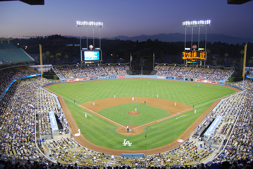 Charitybuzz 4 Field Level Seats To See The Dodgers Vs