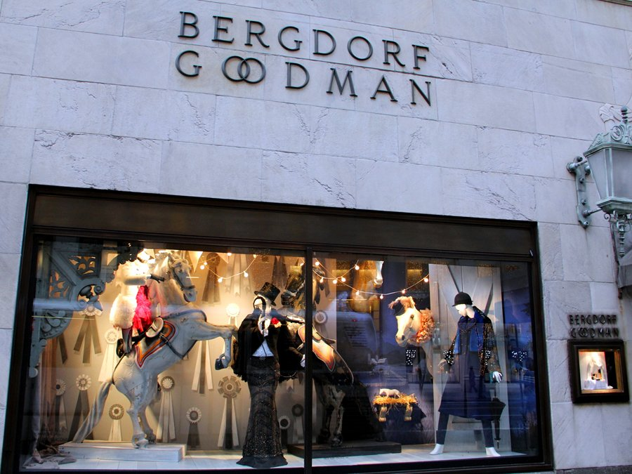 Bergdorf Goodman Holiday Hours. The stores will adjust hours or close on the holidays. Contact your local salon or the customer service department for assistance. The observed holidays include: Bergdorf Goodman Special Event Hours. Bergdorf Goodman 5 th Ave. New York, NY