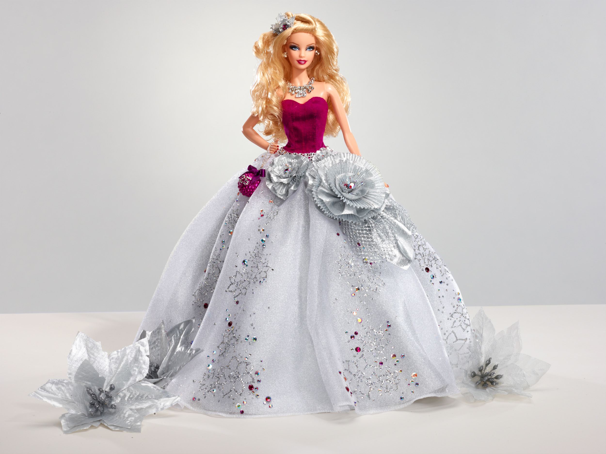 Charitybuzz barbie holiday sparkle lot 331808 - Image de barbie ...