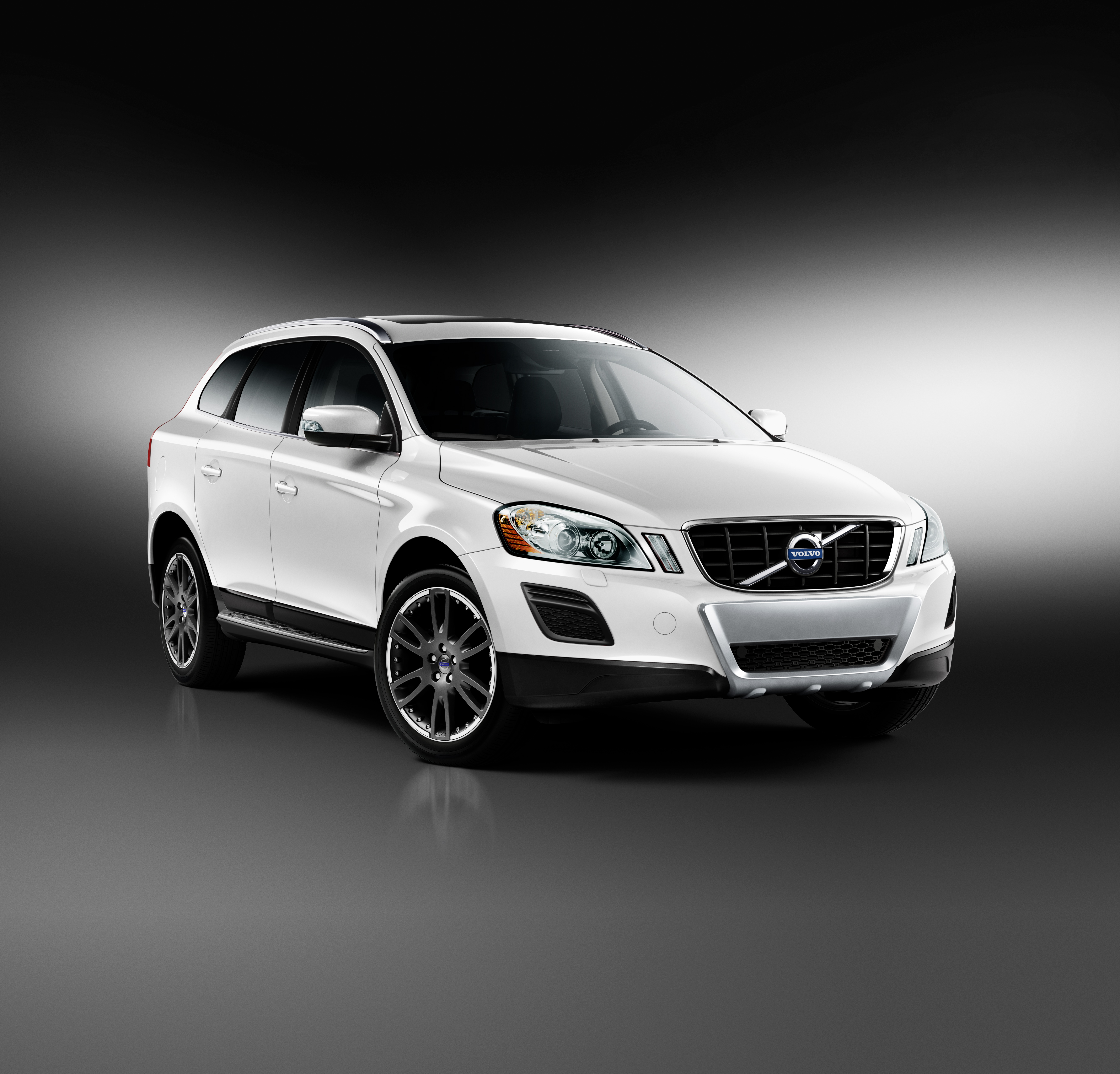 Volvo Sc 60: Charitybuzz: Own This Brand New 2013 Volvo XC60 And