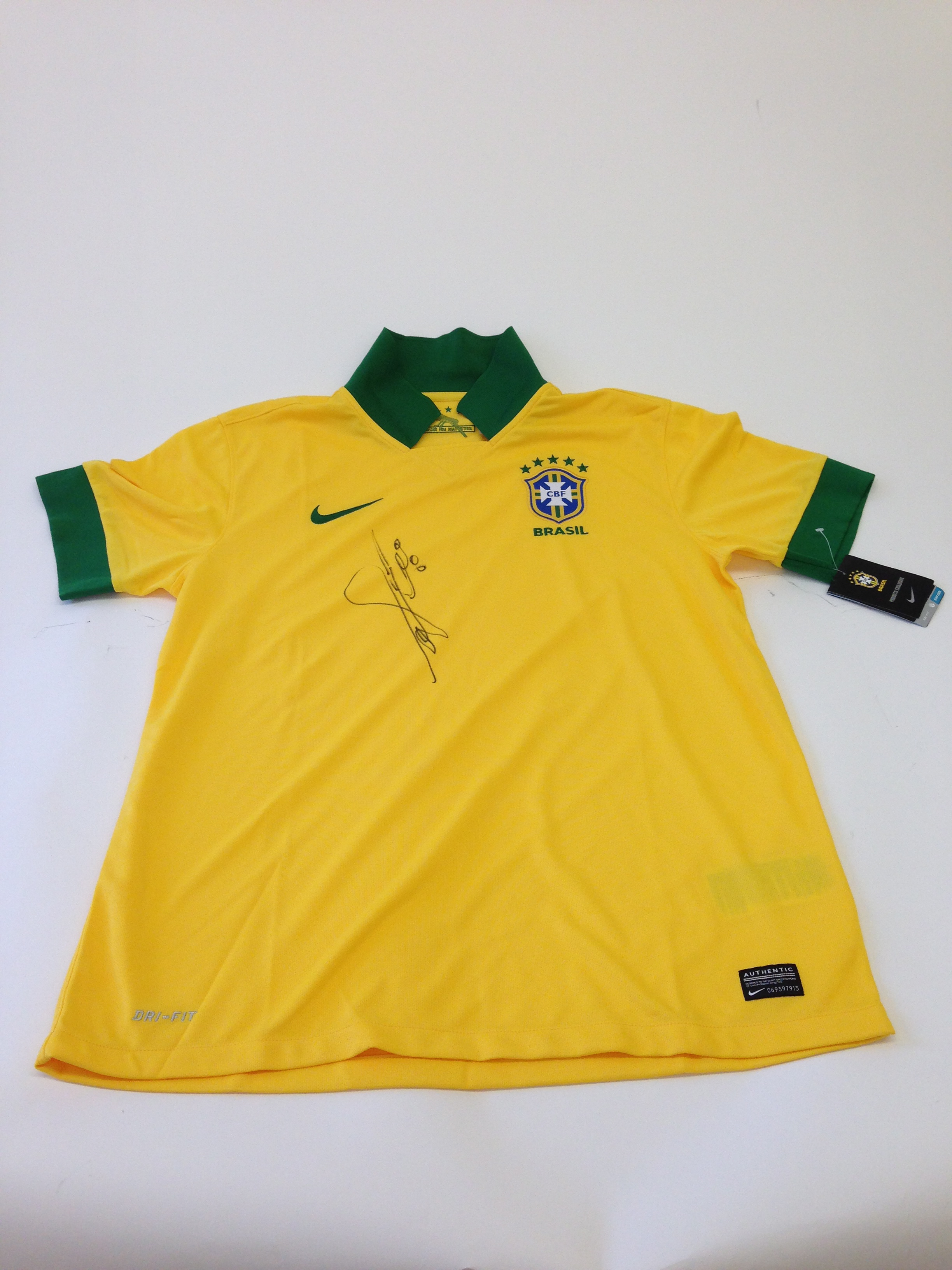 save off 7e9a5 90f74 Collect This Brazil National Football Team Jersey ... - Charitybuzz