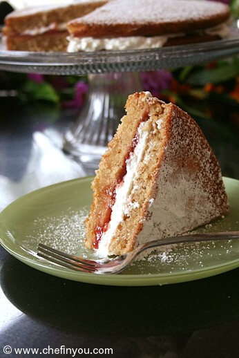 Vanilla Sponge Sandwich Cake Recipe | Eggless Cakes Recipes
