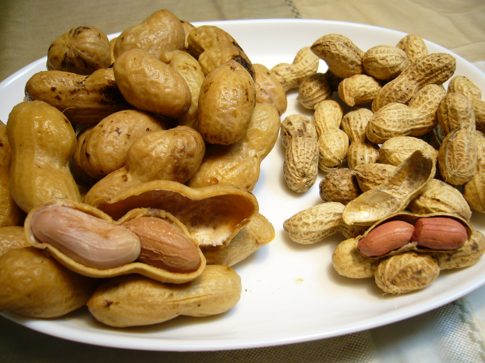 Difference between Green Peanuts and Raw Peanuts