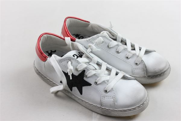 sneakers in pelle tinta unita con profili in contrasto 2STAR | Scarpe | 2SB1303BIANCO