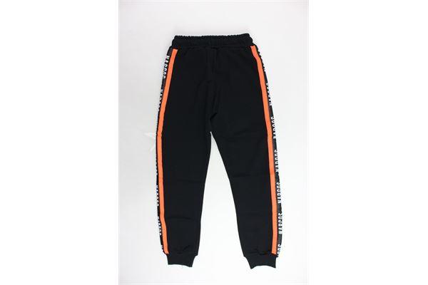 pantalone tuta garzato tinta unita bande in contrasto loggate NARCOS   Pantaloni   19PENA38002-10NERO