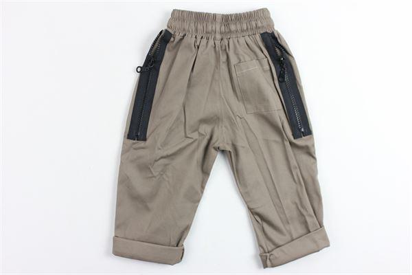 pantalone tinta unita con zip posteriori STAY STREET | Pantaloni | PB908MARRONE