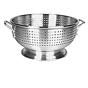 Economy 16 Qt Aluminum Colander - Skimmers and Strainers