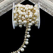 """3/4"""" DUAL SIZE HANGING PEARL RHINESTONE CHAIN-3 YDS (Gold)"""