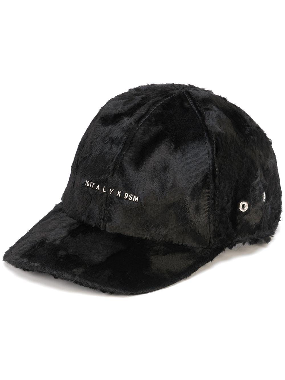 cappello con logo uomo nero in pelliccia 1017 ALYX 9SM | Cappelli | AAUHA0056FA01BLK001