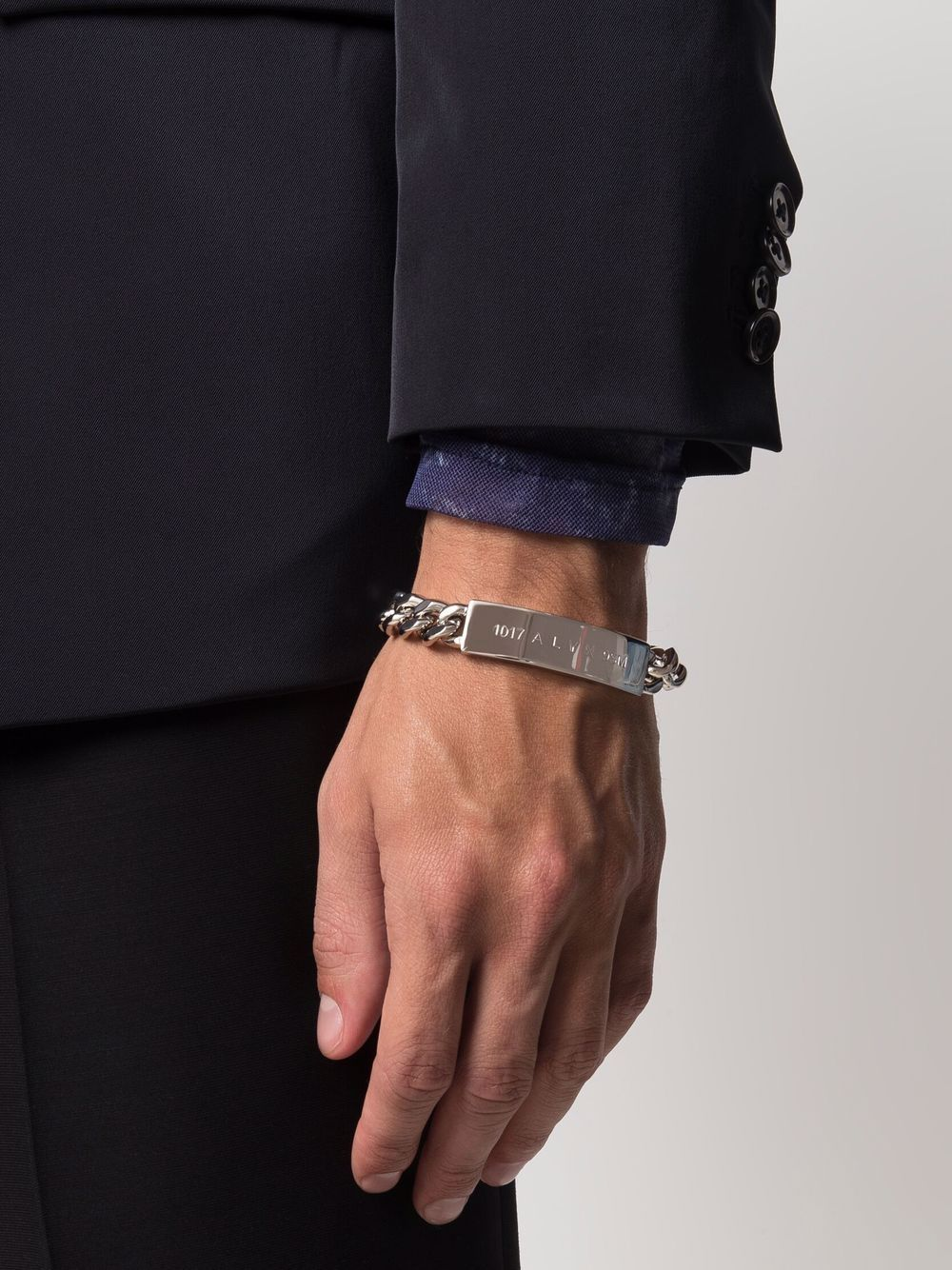logo bracelet man silver 1017 ALYX 9SM   Jewellery   AAUJW0119OT01GRY0002