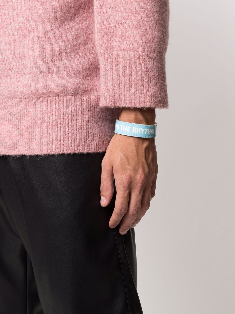bracciale con slogan unisex azzurro in pelle HONEY FUCKING DIJON | Gioielli | HFD04K0041