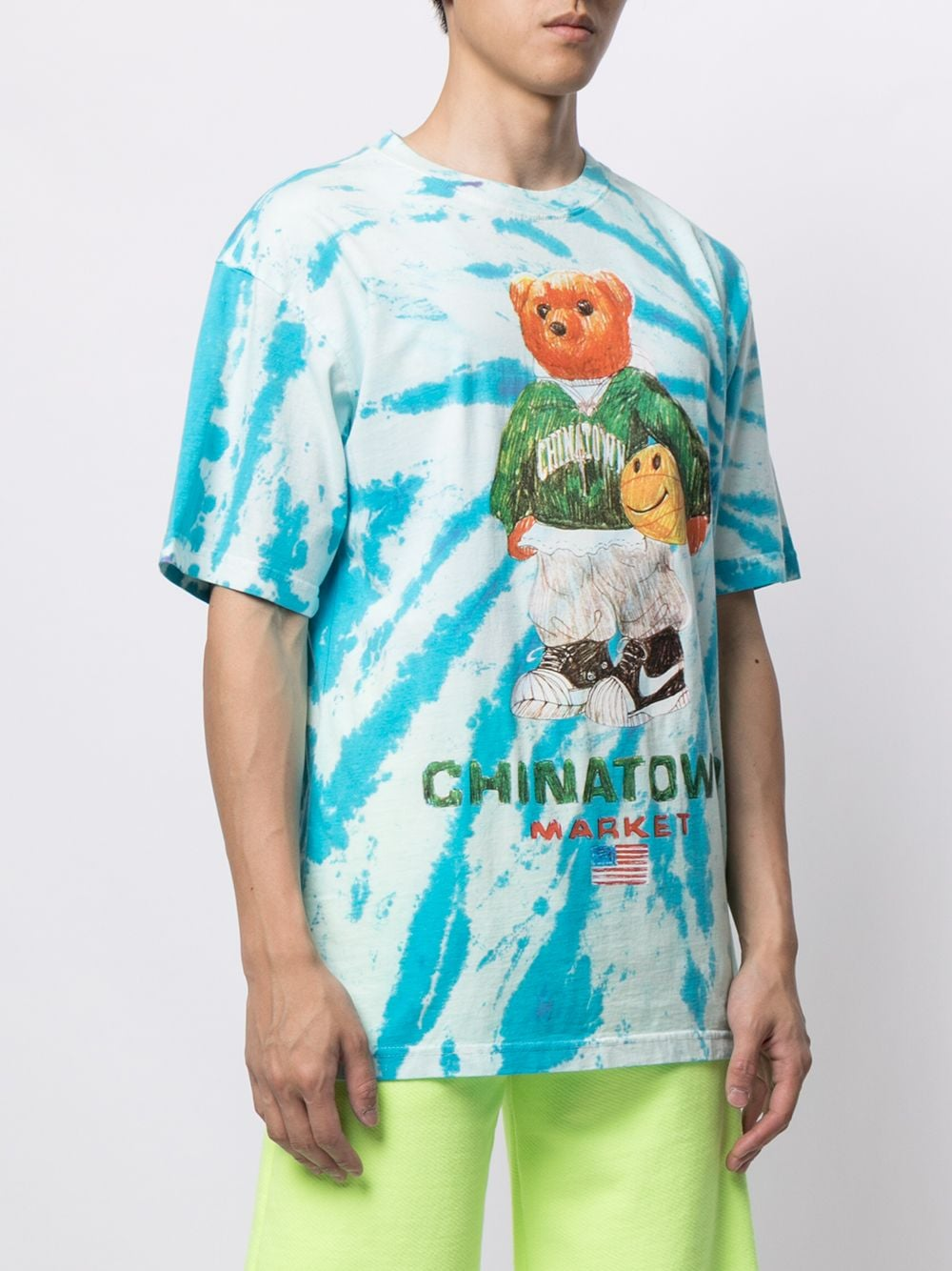 SMILEY SKETCH BASKETBALL BEAR T-SHIRT CHINATOWN MARKET | T-shirts | 1990446TIE FYE