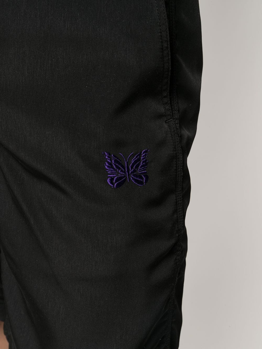 Needles bermuda con logo ricamato uomo nero NEEDLES | Bermuda | IN137BLACK