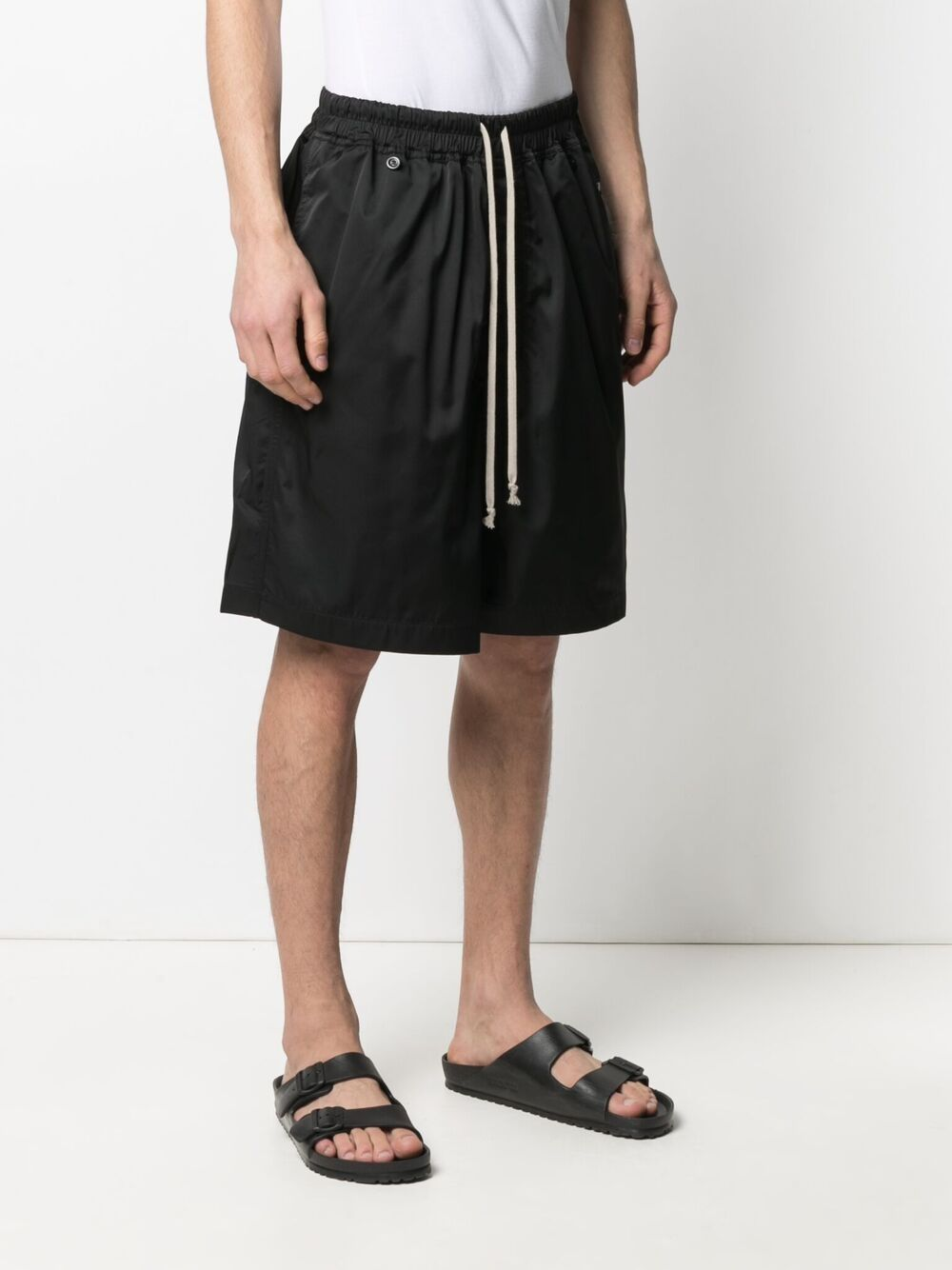SHORTS WITH LOGO PATCH DETAIL RICK OWENS DRKSHDW | Shorts | DU21S2390 TAR09