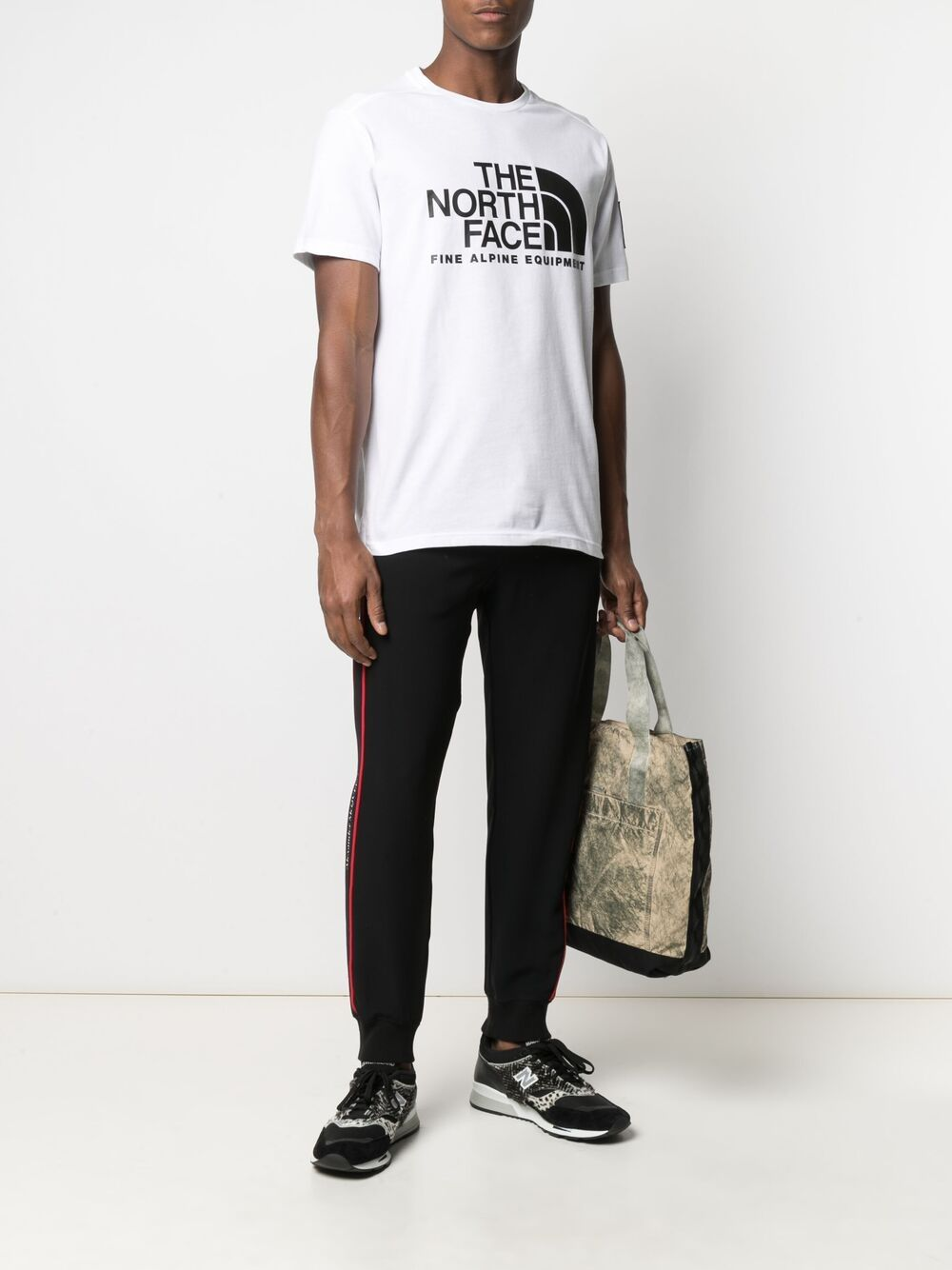 The North Face t-shirt con stampa logo uomo bianco THE NORTH FACE | T-shirt | NF0A4M6NFN41