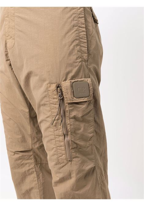 pantaloni cargo uomo cammello in poliammide C.P. COMPANY | Pantaloni | 11CMPA228A005991G326