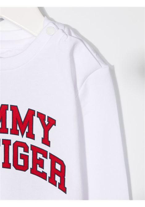t-shirt tommy hilfiger con scritta logo TOMMY HILFIGER | T shirt | KN0KN01156YBR
