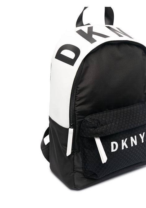 dkny zaino con stampa scritta  logo DKNY | Zaino | D3050909B
