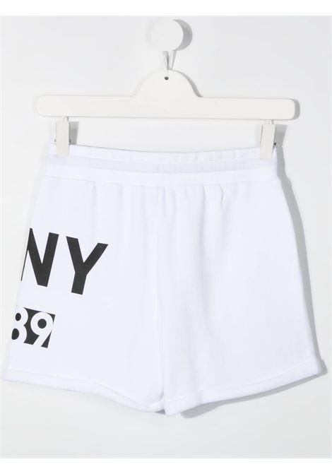 dkny shorts con stampa logo DKNY | Shorts | D34A2310BT