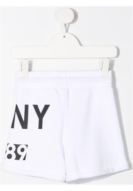 dkny shorts con stampa logo DKNY | Shorts | D34A2310B