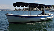 Newport Fun Tours-90-Minute Electric-Boat Rental on Newport Harbor Valid Monday–Thursday
