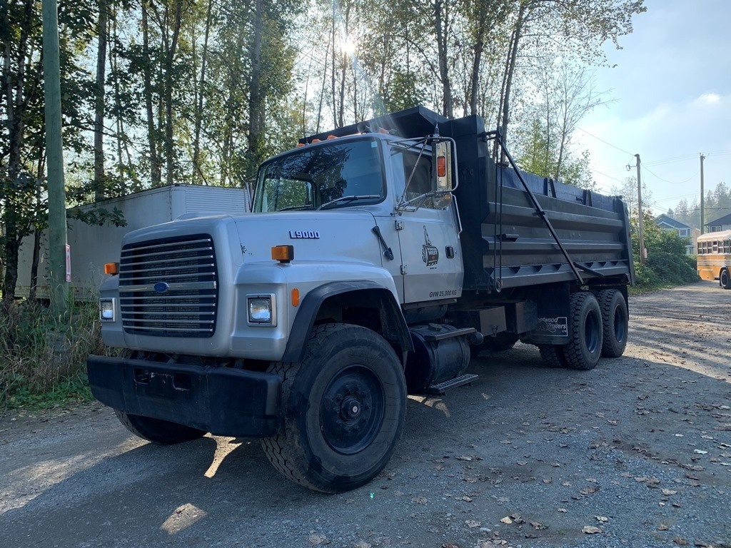 image-0 1994 Ford L9000