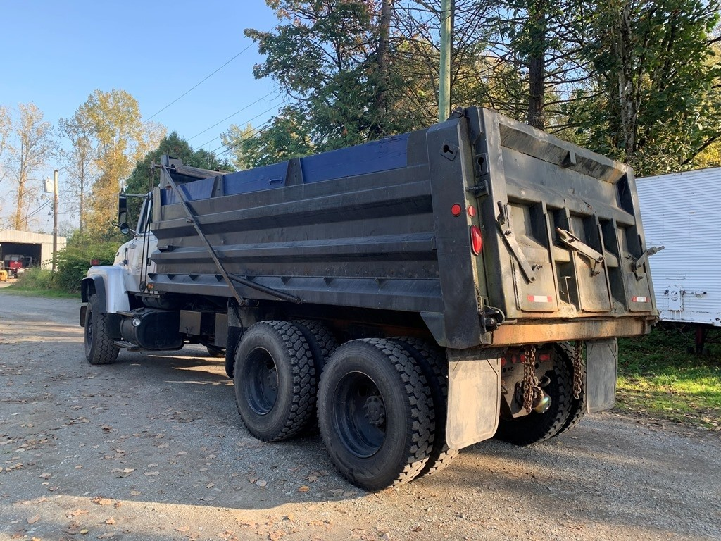 image-2 1994 Ford L9000