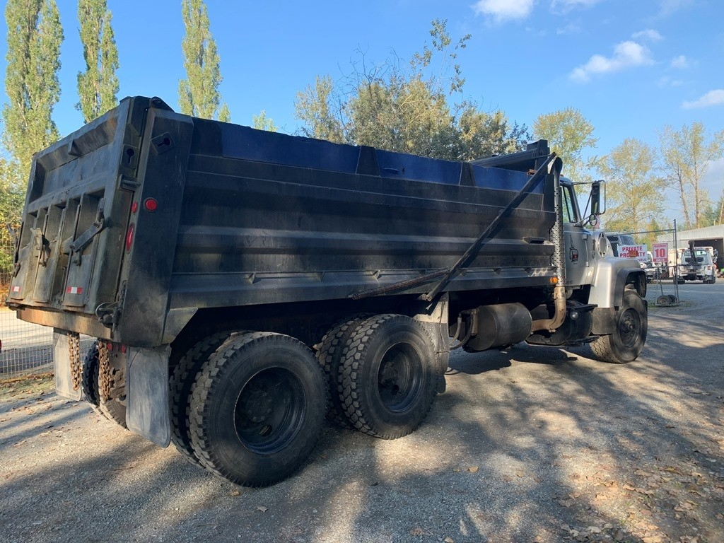 image-5 1994 Ford L9000