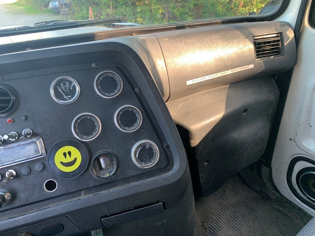 image-13 1994 Ford L9000