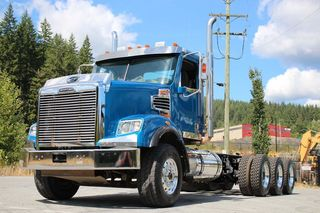 2018 Freightliner 122SD Day Cab Tri Drive