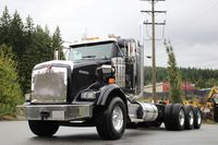 2016 Kenworth T800 Extended Day Cab Tri-Drive
