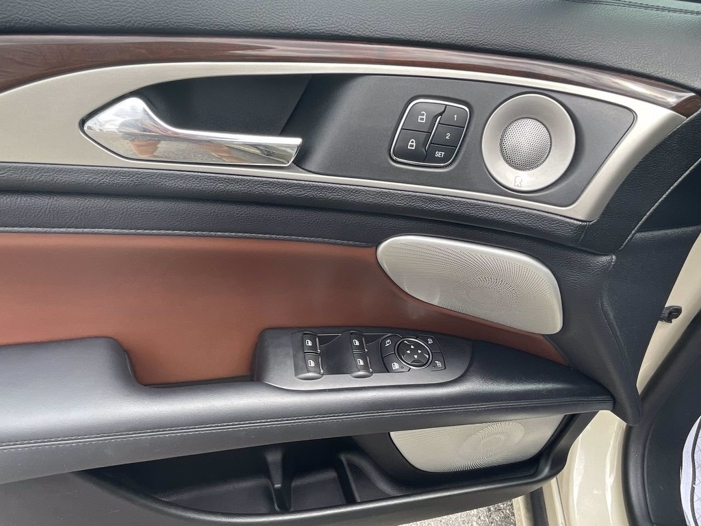 image-3 2018 Lincoln MKZ