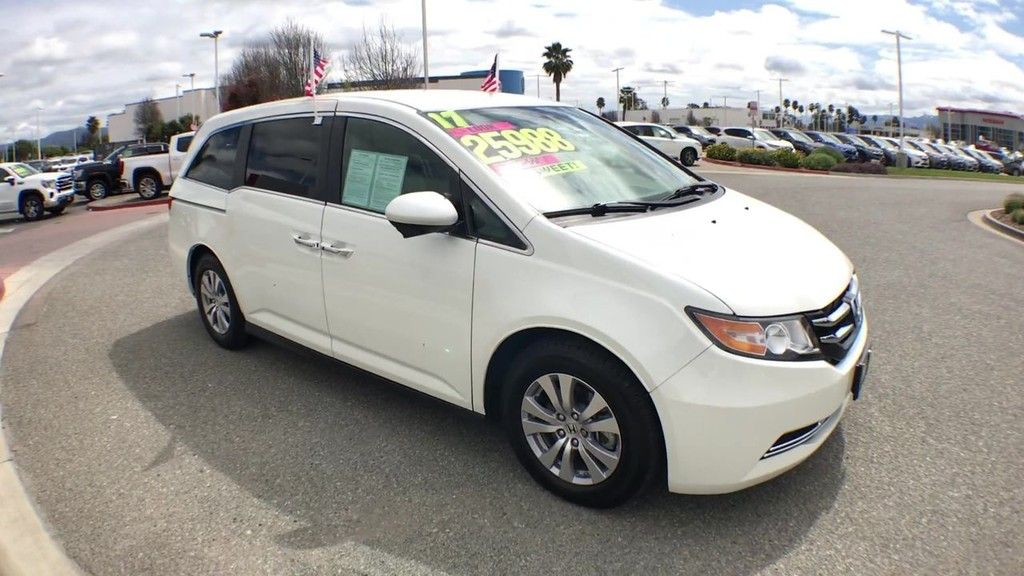 2017 Honda Odyssey SE Minivan