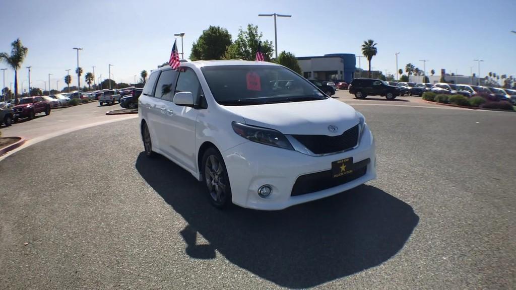 2015 Toyota Sienna SE Premium Minivan