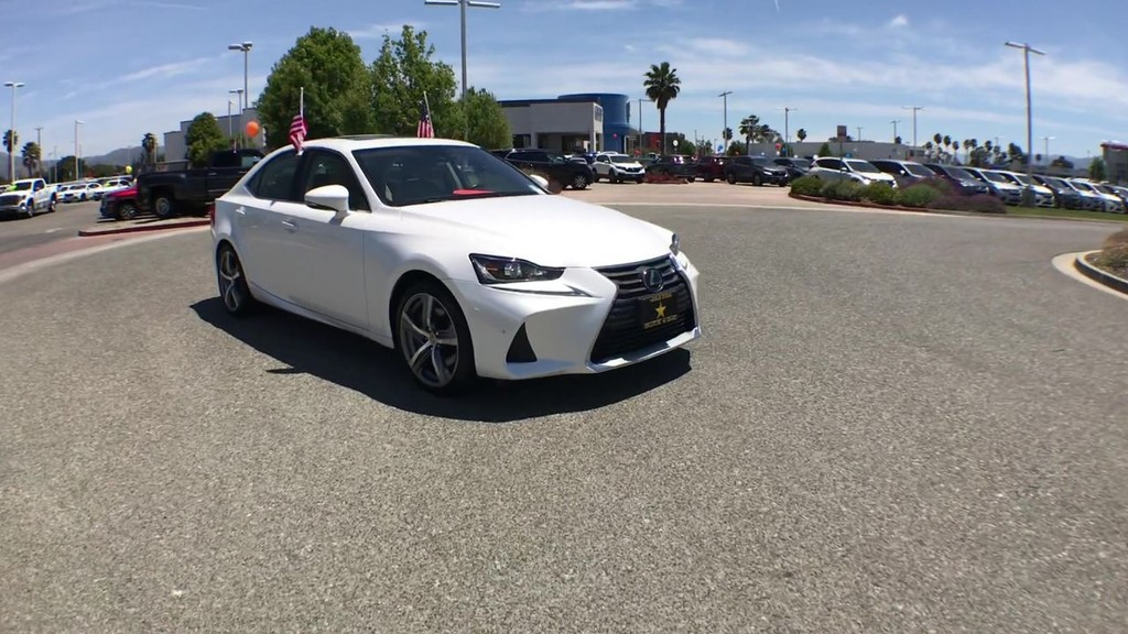 2018 Lexus IS IS 300 Sedan