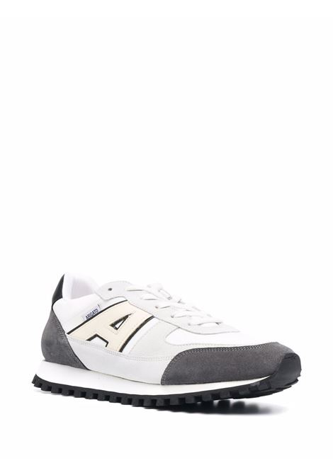 Aeon Runner low-top sneakers in grey and white - men  AXEL ARIGATO | 39002GRYYLLW