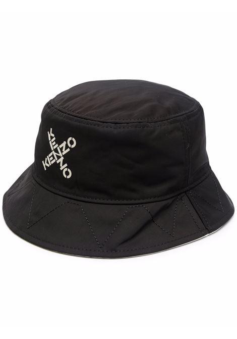 Cappello bucket con stampa logo incrociato in nero - uomo KENZO | FB65AC227F2199B