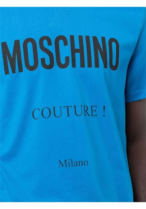 T-shirt con stampa couture in blu - uomo MOSCHINO | A071952401298