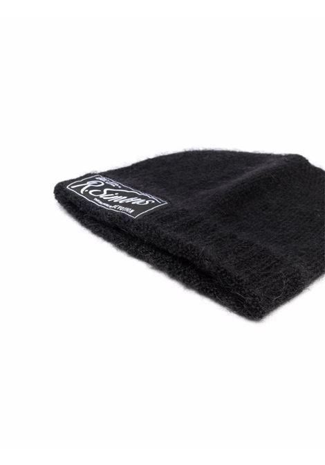 Black logo-patch knitted beanie - unisex RAF SIMONS | 212846500010099