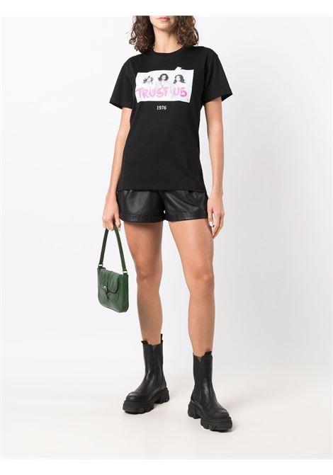 T-shirt Trust Us con stampa in nero - unisex THROWBACK | TBFANGELSBLK