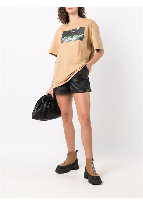 T-shirt con stampa Serious in beige - unisex THROWBACK | TBTBATSND