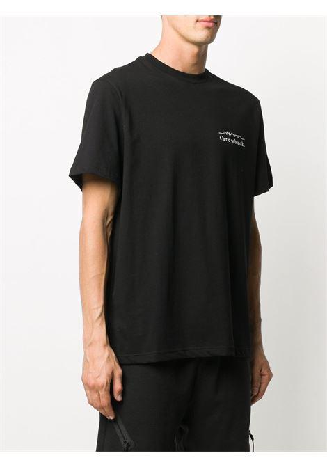 T-shirt con stampa in nero - unisex THROWBACK | TBTLOGOBLK