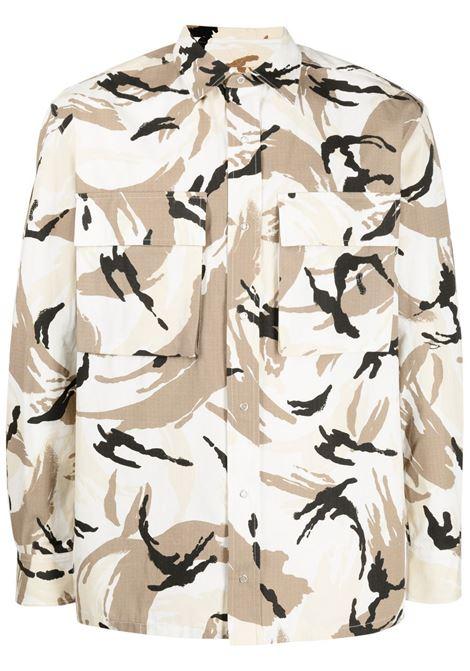 Kenzo camicia con stampa camouflage uomo blanc casse KENZO | Camicie | FB55CH5021PC02