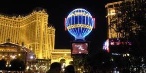 The Golden Nugget, Las Vegas Luxury Hotel