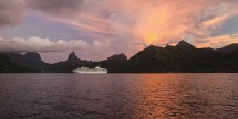 Air & 7-Nt Tahiti Cruise w/ 2-Nt Resort Stay